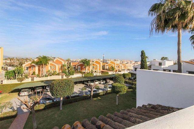 Casa adosada en venta en San Pedro de Alcántara pueblo en Marbella (Marbella, Málaga)