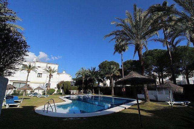 Casa adosada en venta en Nueva Andalucía centro en Marbella (Marbella, Málaga)