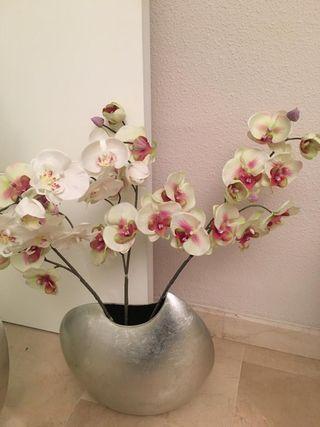 Conjunto jarrones con flores