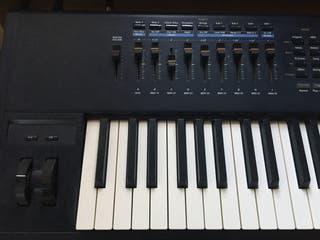 Piano de escenario Kurzweil PC3x (88)