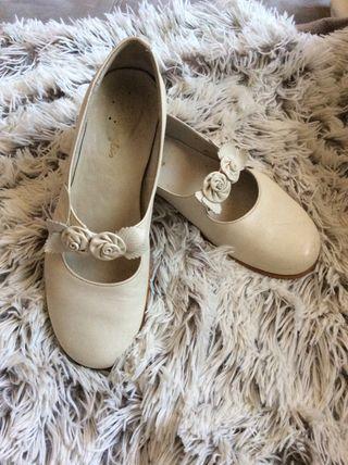 Zapatos comunión de niña