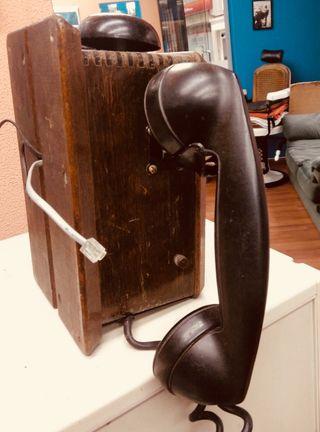 Teléfono antiguo de pared Northerm Electric
