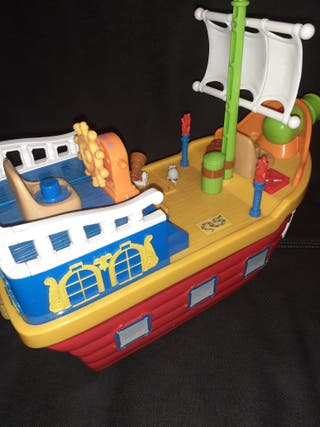 barco juguete niño