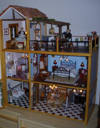 Muebles de una casita de muñecas