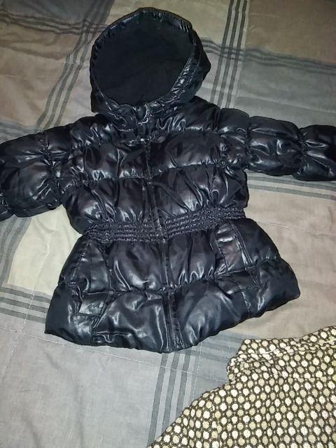 dos chaquetas niña talla 2/3 años.