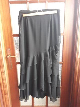Falda negra con volantes talla 46
