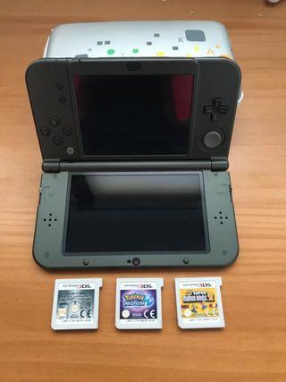 Consola NINTENDO 3DS, incluye cargador y 3 juegos