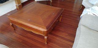 Mesa de madera de pino