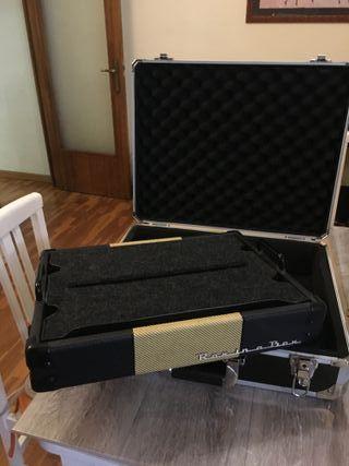 Pedales guitarra, maleta portapedales y cables