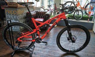 Whyte T-139 full suspension mountain bike