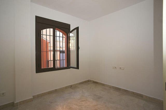 Bajo en venta en Estepona Oeste - Valle Romano - Bahía Dorada en Estepona (Buenas Noches, Málaga)