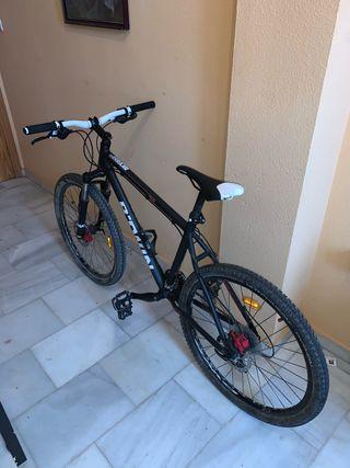 Bicicleta b-twin rockrider 520