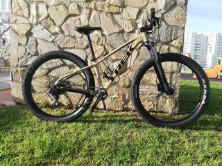 Bicicleta mtb trek roscoe 6 2020