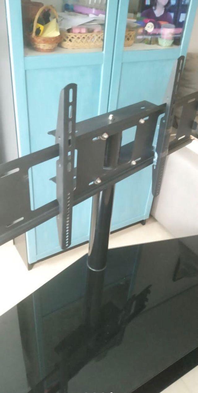 Mesa de cristal y soporte para tv y smart tv