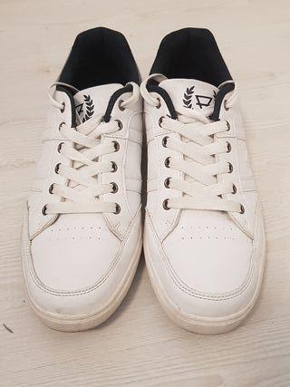 zapatillas blancas