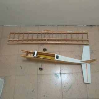 avion teledirigido aeromodelismo