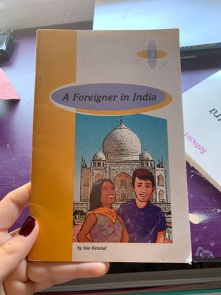 """libro """" A foreigner in india """""""