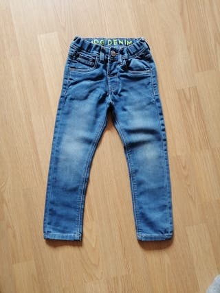 pantalón Vaquero talla 3-4 años