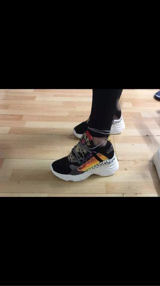 Zapatillas con plataforma talla 39, 8.5, 25cm