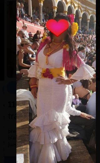 traje de flamenca ( blanco )