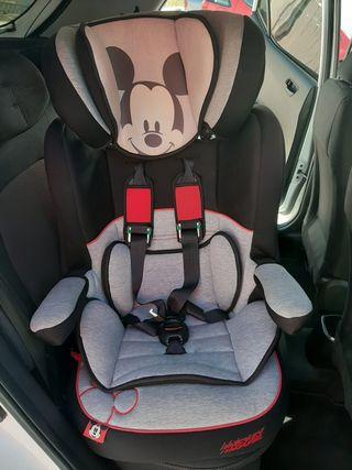 sillita de coche Disney de mickey.
