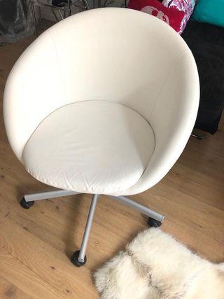 Silla Ikea SKRUVSTA Blanca