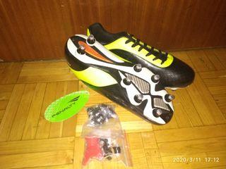 Botas de futbol, aluminio.