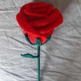 Rosa hecha a crochet