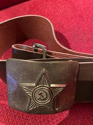 Cinturón del ejército ruso comunista.