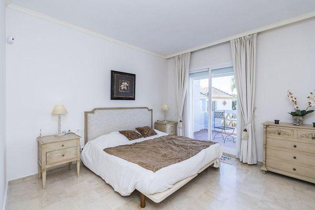 Casa adosada en venta en Marbella (Marbella, Málaga)