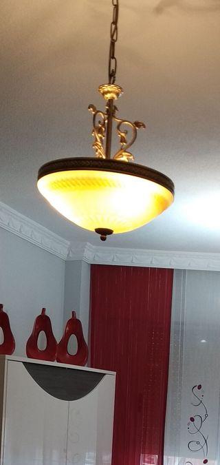 lámpara de bronce preciosa