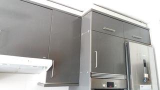 Armarios de cocina y extractor
