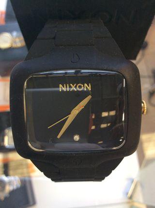 Reloj Nixon seminuevo