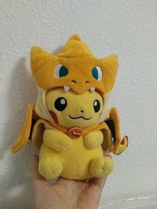 Peluche Pikachu Mega Charizard Y Pokémon oficial