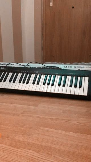 teclado alesis Q49 keyboard controler