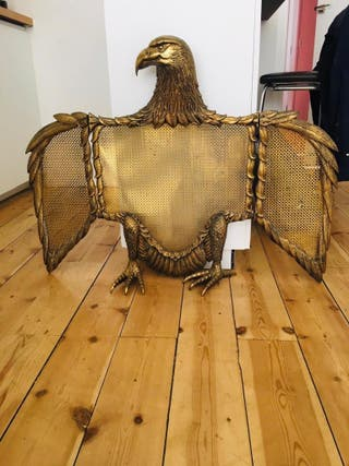 Protector de chimenea águila