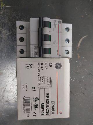magnetotermico trifásico 25 A