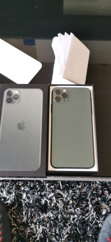 iPhone 11 Pro max 64Gb impecable color verde