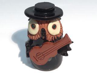 Buho cerámica guitarra