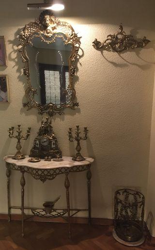 Recibidor / Hall antiguo de bronce y mármol