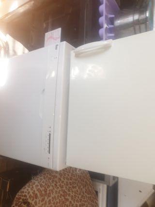 congelador pequeño solo dos puertas