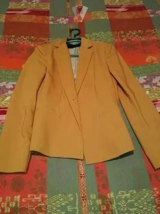 ZARA chaqueta de talla 36 sin estrenar