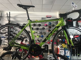 Bicicleta carretera de carbono nueva