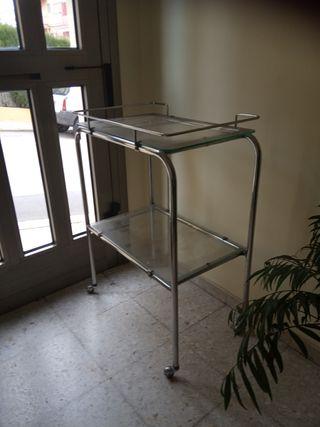 Mesa, estanteria consulta