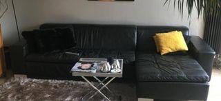 Canapé noir en cuir