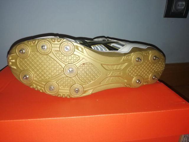 Zapatillas de clavos, jabalina: Asics
