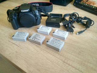 Canon EOS 600D + 5 baterías + cargador original