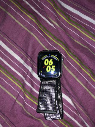 Apple Watch series 4 44mm nike