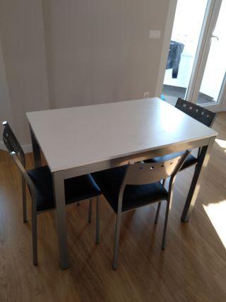 Mesa extensible de cocina con 3 sillas