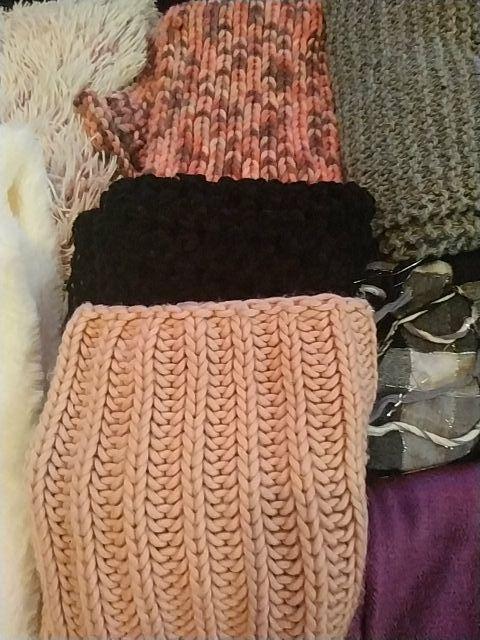 13 bufandas/cuellos/pañuelos
